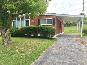 2064 Sun Valley 3 Beds House for Rent Photo Gallery 1