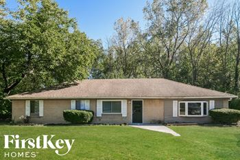 5779 North Alton Avenue 4 Beds House for Rent Photo Gallery 1