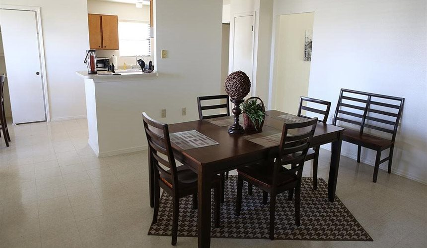 Alta Terra Living, Provides Personal dining Area