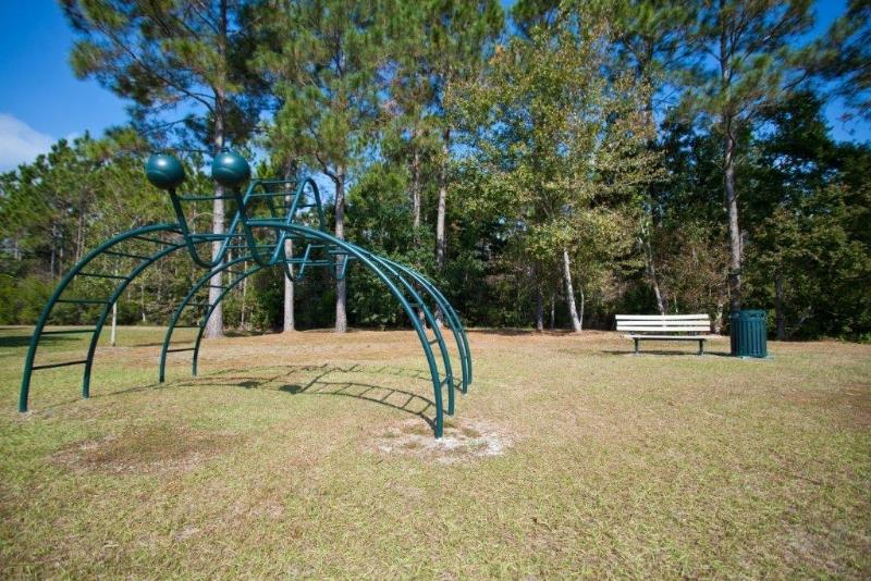 Beautiful Landscaping and Park-like Setting at Three Waters Green apartments in Pensacola, FL  32506