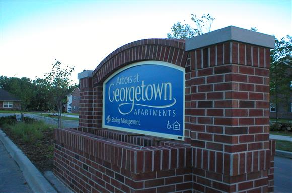 2010 Georgetown Blvd. 1 3 Beds Apartment For Rent Photo Gallery 1