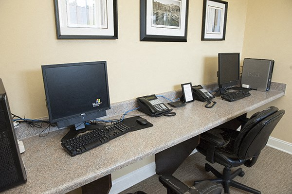 Resident exclusive business center at The Enclave at Pamalee Square Apartments, Fayetteville, NC,28301