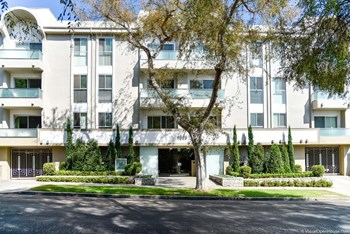 1818 Thayer Avenue 2-3 Beds Apartment for Rent Photo Gallery 1