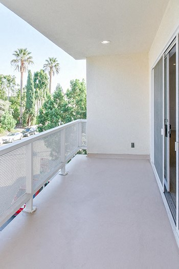 223 Lasky Dr / 9904-9922 Robbins Dr 1-4 Beds Apartment for Rent Photo Gallery 1