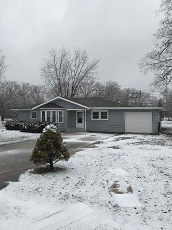 1650 West Maple Lane 3 Beds House for Rent Photo Gallery 1