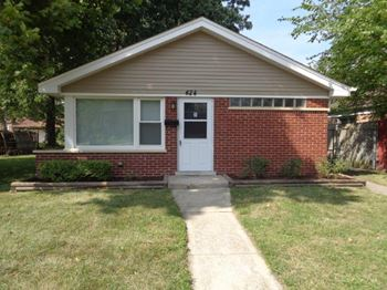 424 East 144th Street 3 Beds House for Rent Photo Gallery 1