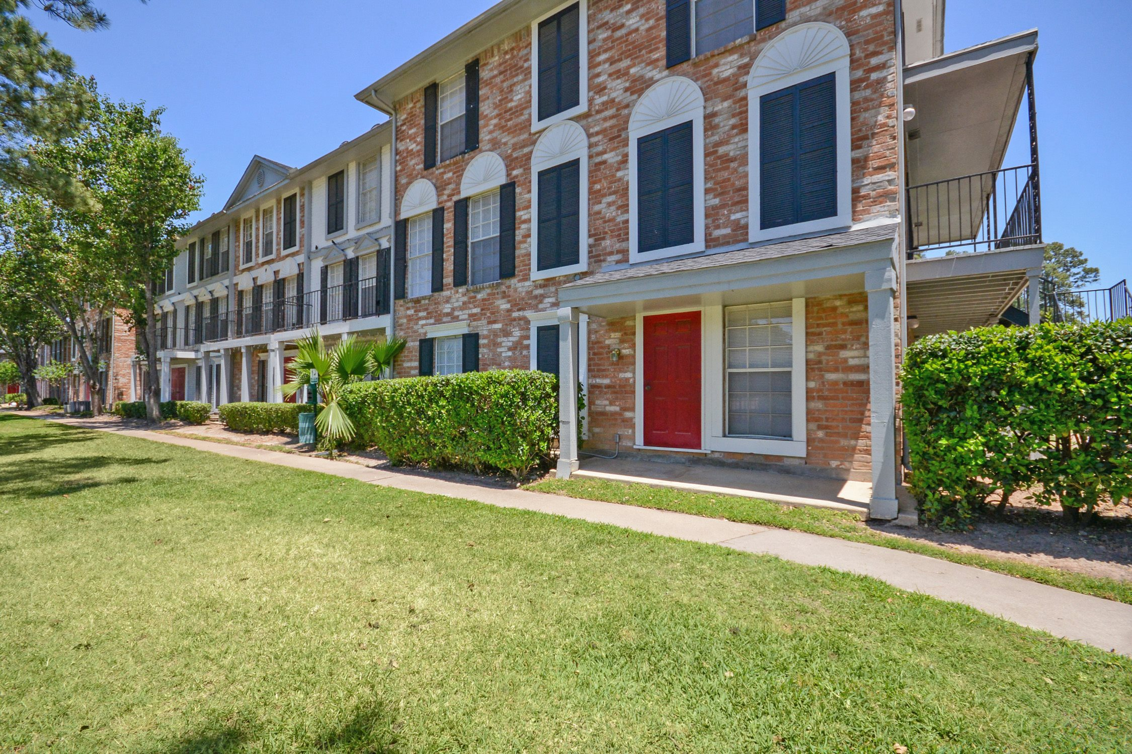 The Wimbledon Apartments In Spring Tx