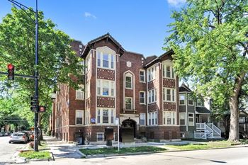1901-03 W. Addison St. 1-3 Beds Apartment for Rent Photo Gallery 1