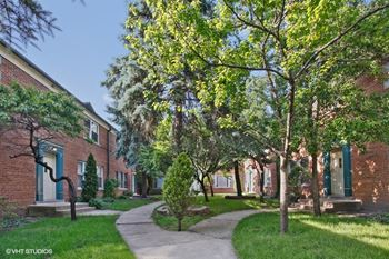 2104-24 W. Farragut Ave. 1 Bed Apartment for Rent Photo Gallery 1