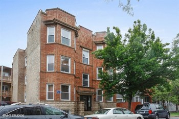 3340-42 N. Marshfield Ave. 1-4 Beds Apartment for Rent Photo Gallery 1
