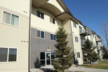 4270 University Avenue Studio-3 Beds Apartment for Rent Photo Gallery 1