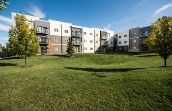 3850 Garden View Drive 1-4 Beds Apartment for Rent Photo Gallery 1