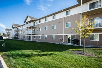 3750 Garden View Drive 1-4 Beds Apartment for Rent Photo Gallery 1
