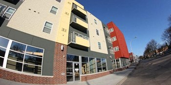 615 1st Avenue North 1-3 Beds Apartment for Rent Photo Gallery 1