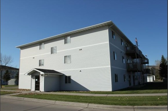 Winterland I Apartments, 4275 5th Avenue North, Grand Forks, ND ...