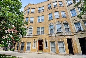 4447-49.5 N. Wolcott Ave. 1 Bed Apartment for Rent Photo Gallery 1