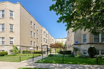 4535-45 N. Hamilton Ave. 1 Bed Apartment for Rent Photo Gallery 1