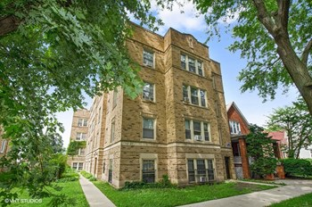 5542-44 W. Leland Ave. 1-2 Beds Apartment for Rent Photo Gallery 1