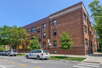 5603-11 N. Glenwood Ave. 1 Bed Apartment for Rent Photo Gallery 1