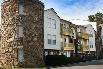 2702 Paoli Pike 1 Bed Apartment for Rent Photo Gallery 1