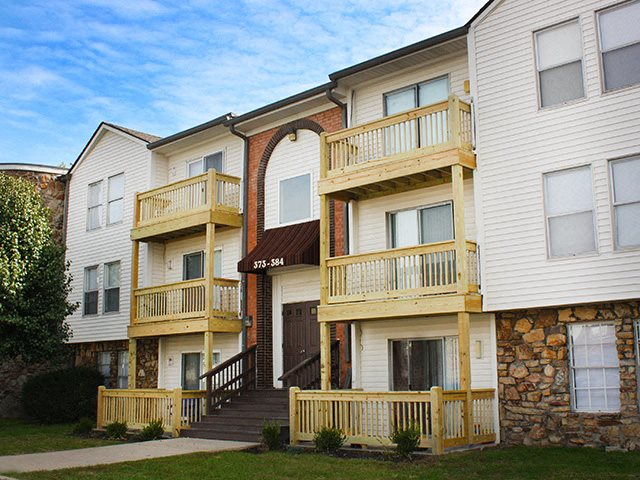 Patios and balconies at Knobs Pointe Apartments in New Albany, KY
