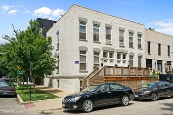 1316-18 N. Wood St. 1-2 Beds Apartment for Rent Photo Gallery 1
