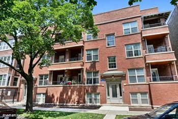 1626-30 W. Fargo Ave. 2-3 Beds Apartment for Rent Photo Gallery 1