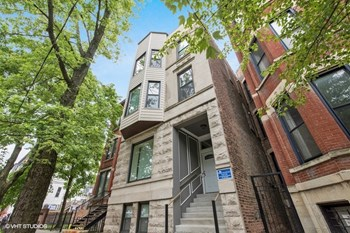 2020 N. Bissell St. 2-3 Beds Apartment for Rent Photo Gallery 1