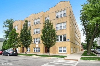 3001-07 N. Spaulding Ave. 2 Beds Apartment for Rent Photo Gallery 1