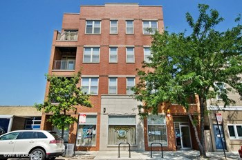 3559 N. Milwaukee Ave. 2 Beds Apartment for Rent Photo Gallery 1