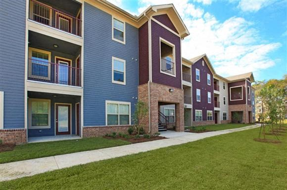Apartments On Greenwell Springs Road