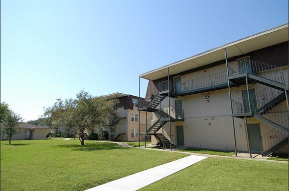 Arbors on the lake apartments 10500 hayne blvd new - 2 bedroom apartments in new orleans east ...