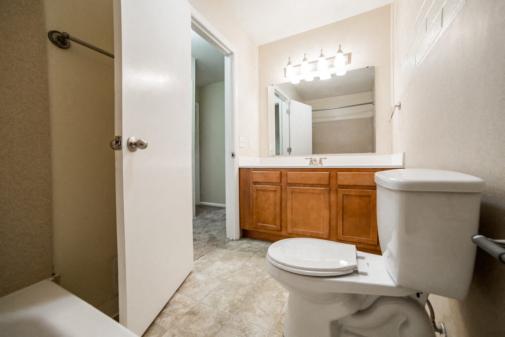 Spacious Bedrooms With en Suite Closet And Bathrooms, at Buckingham Monon Living, Indiana
