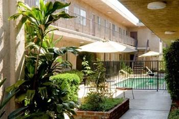 14350 Vanowen Street Studio-2 Beds Apartment for Rent Photo Gallery 1