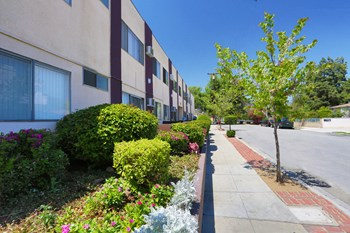 1315 Prospect Avenue 2 Beds Apartment for Rent Photo Gallery 1