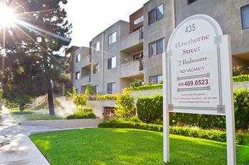 435 Hawthorne Street 2 Beds Apartment for Rent Photo Gallery 1