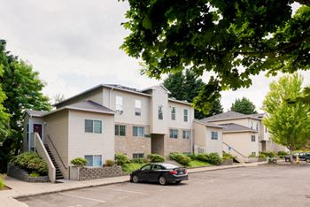 7915 SW Hall Blvd 1-2 Beds Apartment for Rent Photo Gallery 1