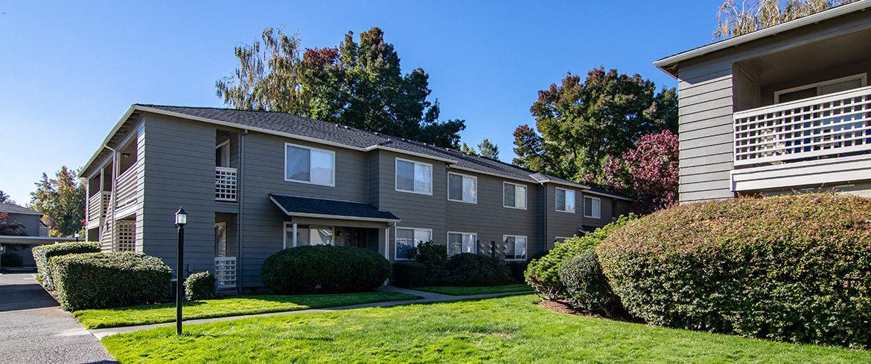 Poplar Village Apartments In Medford Or