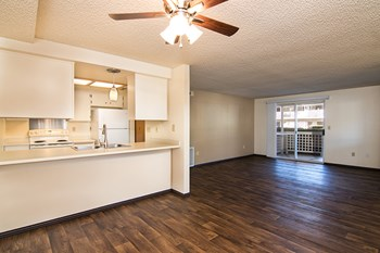 1481 Poplar Drive 1-2 Beds Apartment for Rent Photo Gallery 1