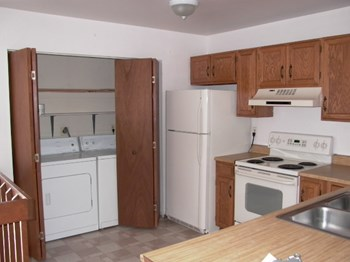 1031 Portland Pl #5 3 Beds Student Apartment for Rent Photo Gallery 1
