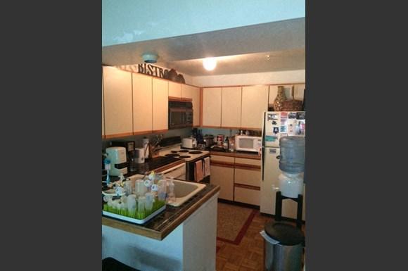 Kitchen 2250 Spruce C