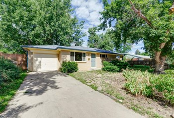 525 45th St 4 Beds House for Rent Photo Gallery 1