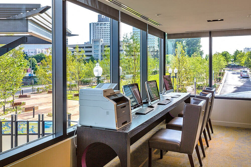 High Tech business center with Mac Computers in North Bethesda, MD