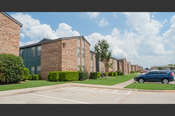 Ladera Palms Apartments, 4500 Campus Dr, Fort Worth, TX ...