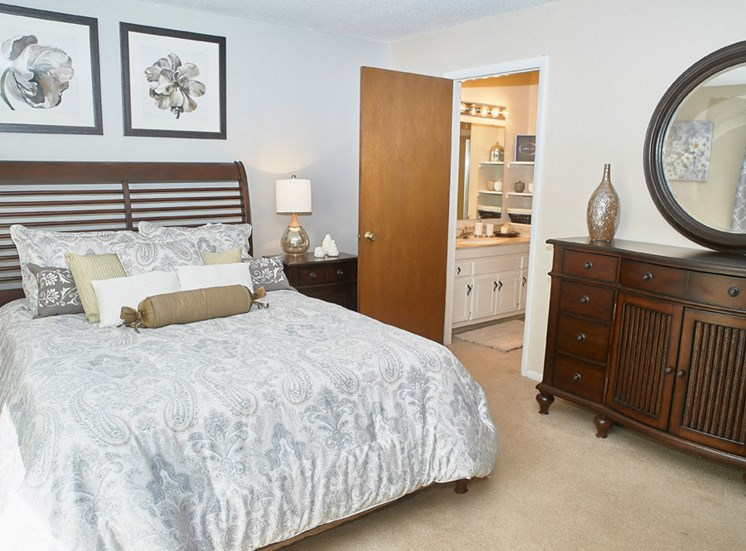 Classic Series Master Bedroom