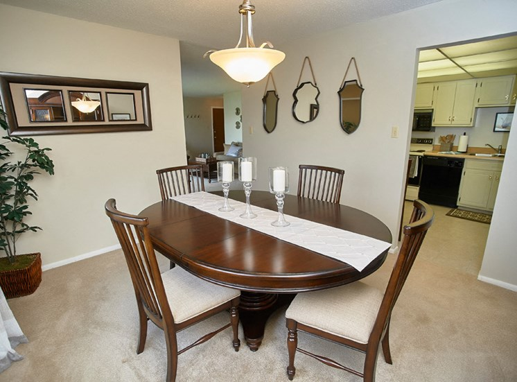 Classic Series Dining Room