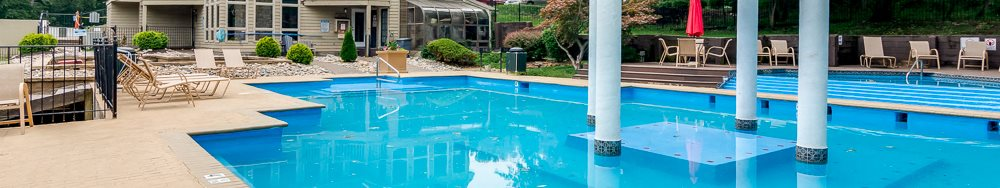 Perfect swimming pool at The Retreat at Walnut Creek in North Kansas City, MO