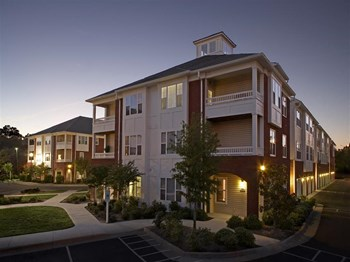 710 Gatewaypark Drive 1-3 Beds Apartment for Rent Photo Gallery 1