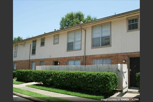 Apartments For Rent On Uvalde Rd