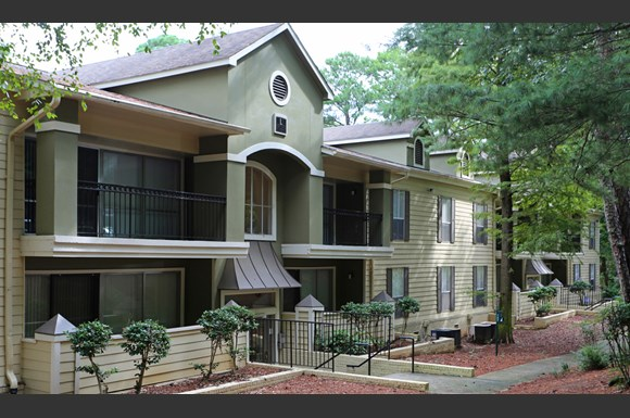 The columns at akers mill apartments 2383 akers mill road - Cheap 2 bedroom suites in atlanta ga ...